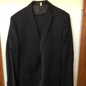 Calvin Klein navy suit jacket/pants 100% wool 44L